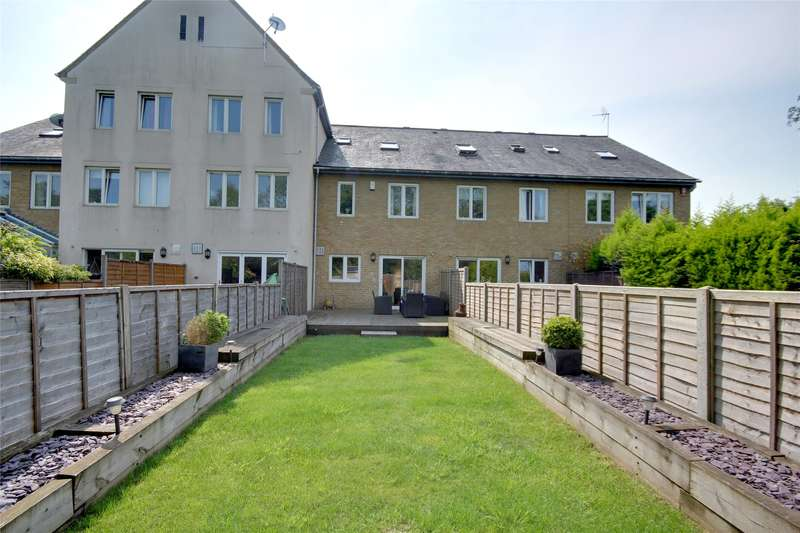 5 Bedrooms House for sale in Wraysbury Gardens, Staines-Upon-Thames, TW18