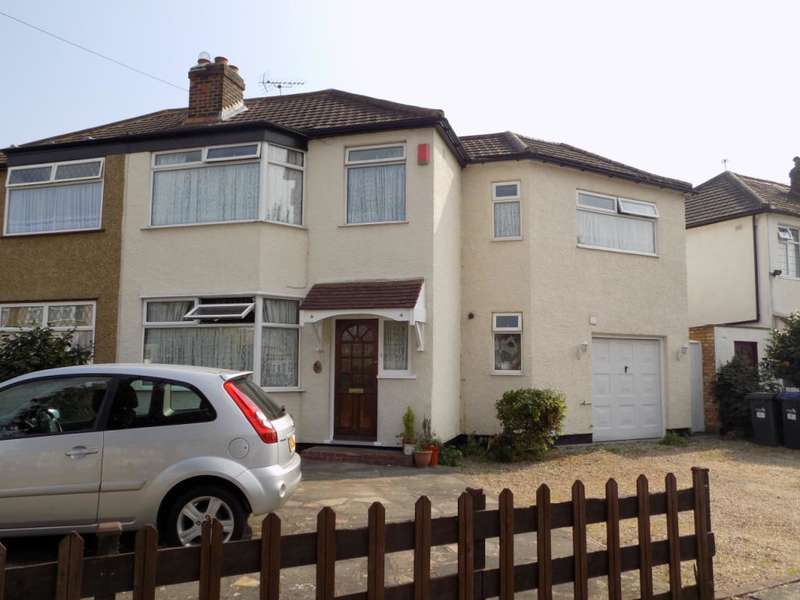 4 Bedrooms Semi Detached House for sale in Connaught Avenue, Enfield, EN1