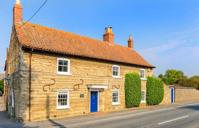 4 Bedrooms Detached House for sale in Main Road, Barkston, Grantham, NG32