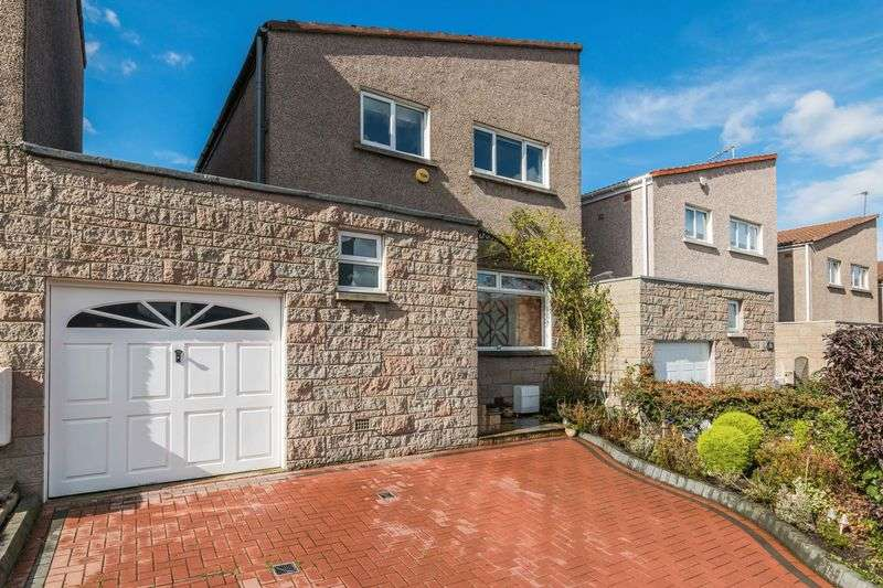 3 Bedrooms Detached House for sale in 36 Greenend Gardens, Liberton, Edinburgh, EH17 7QF