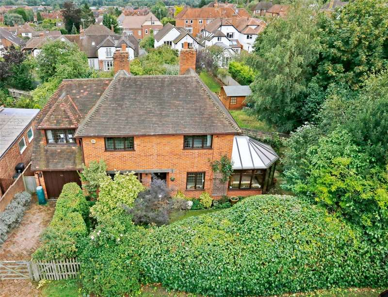3 Bedrooms Detached House for sale in Belle Vue Road, Henley-on-Thames, Oxfordshire, RG9