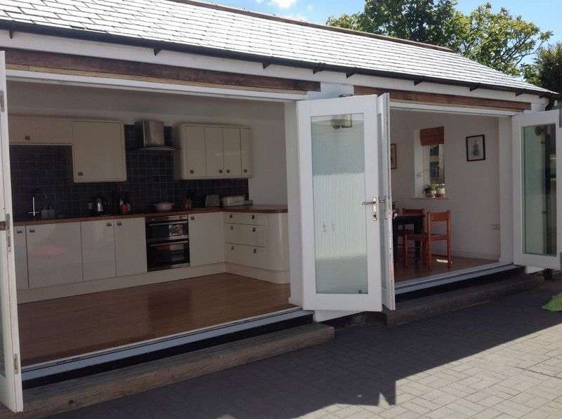 3 Bedrooms Detached House for sale in Luxury 3 Bedroom House