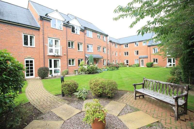 2 Bedrooms Flat for sale in Abraham Court, Oswestry