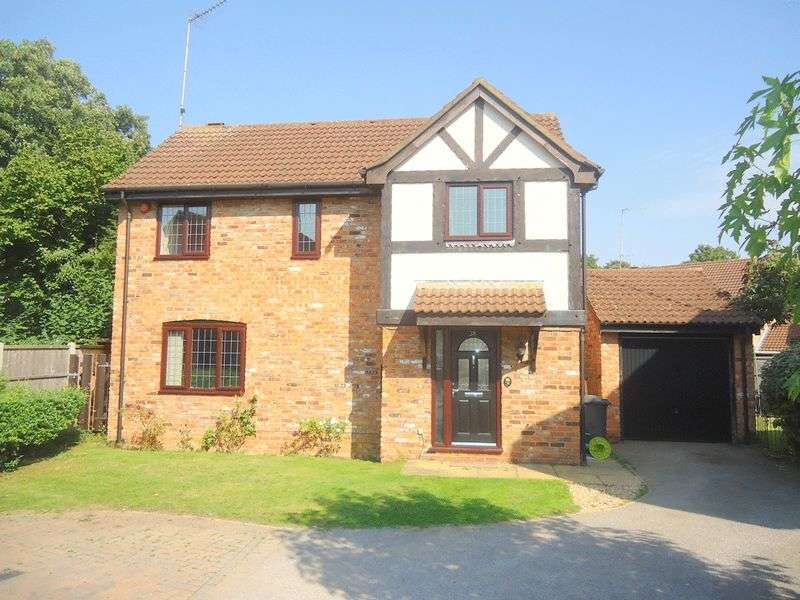 3 Bedrooms Detached House for sale in Hunters Oak, Hemel Hempstead