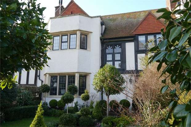 4 Bedrooms Town House for sale in Budleigh Salterton, Devon