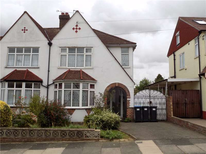 3 Bedrooms Semi Detached House for sale in Hillside Crescent, Enfield, EN2