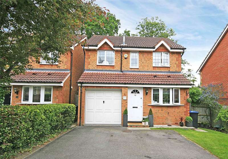 3 Bedrooms Detached House for sale in Redwoods, Addlestone, Surrey, KT15
