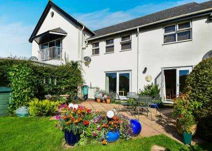 2 Bedrooms Terraced House for sale in West Lane, ., Devon