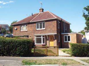 3 Bedrooms House for sale in Fleet Road, Rochester, Kent