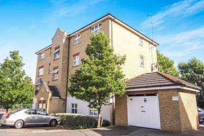 2 Bedrooms Flat for sale in Osier Crescent, Muswell Hill, Haringey, London