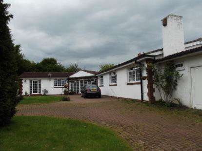 3 Bedrooms Bungalow for sale in North Road, Hetton-Le-Hole, Houghton Le Spring, Tyne and Wear, DH5