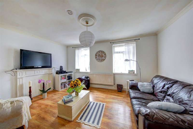 3 Bedrooms Property for sale in Clapham Road, London