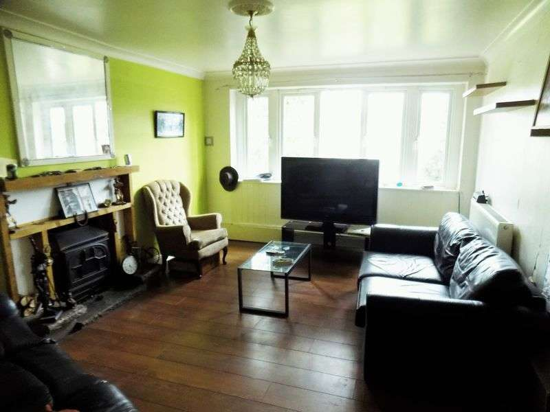 3 Bedrooms Semi Detached Bungalow for sale in Newport Road, Caerphilly