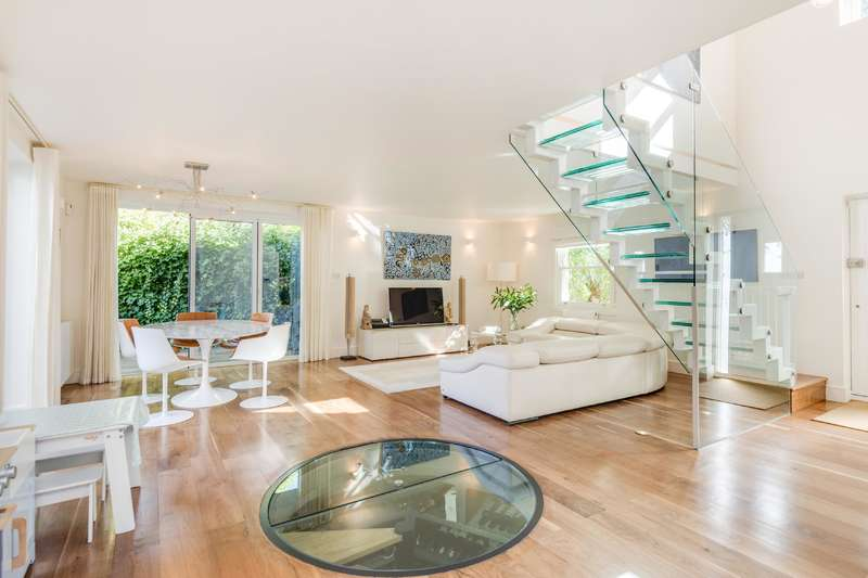 4 Bedrooms House for sale in Rosslyn Hill, Hampstead