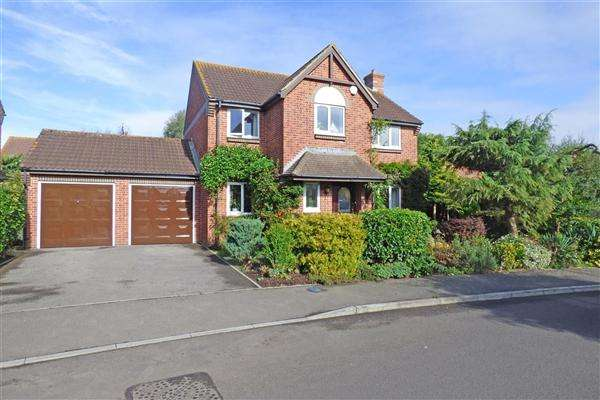 4 Bedrooms Detached House for sale in Old Station Gardens, Henstridge