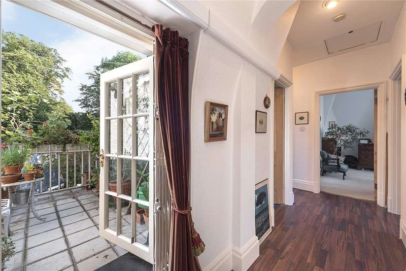 2 Bedrooms Flat for sale in Lindfield Gardens, Hampstead, London, NW3