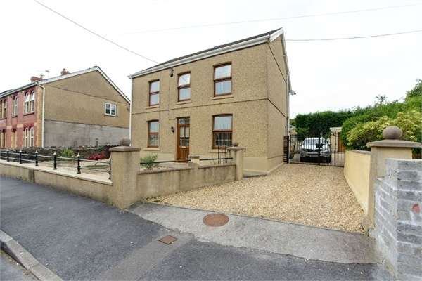 3 Bedrooms Detached House for sale in Folland Road, Garnant, Ammanford, Carmarthenshire