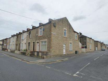 4 Bedrooms End Of Terrace House for sale in Queen Victoria Road, Burnley, Lancashire, .