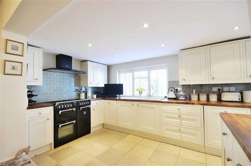 3 Bedrooms Property for sale in Talbot Road, Rickmansworth, Hertfordshire, WD3