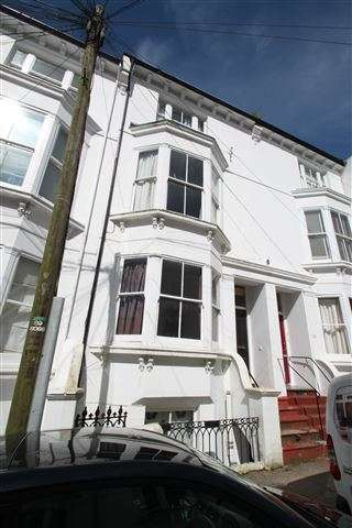 2 Bedrooms Flat for sale in College Road, Brighton, East Sussex, BN2 1JB