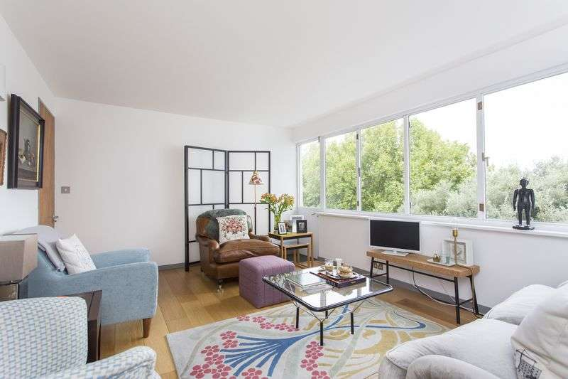 3 Bedrooms Flat for sale in Highpoint, Highgate Village, N6