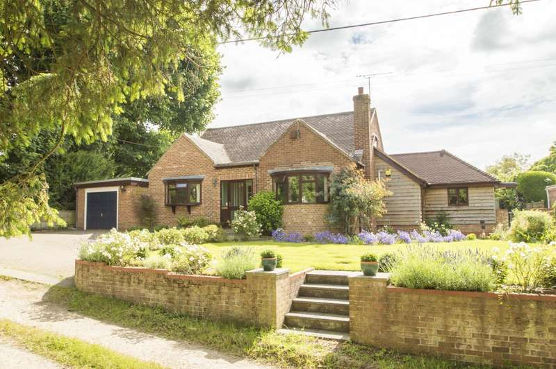4 Bedrooms Detached Bungalow for sale in High Road, Brightwell Cum Sotwell, OX10