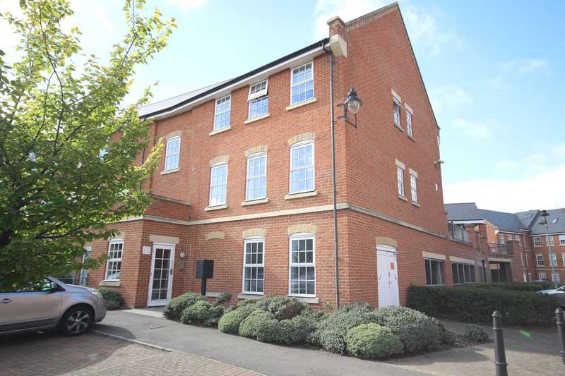 2 Bedrooms Flat for sale in Florey Gardens, Aylesbury