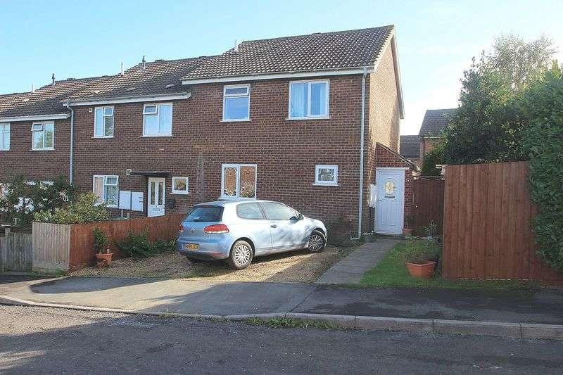 3 Bedrooms Semi Detached House for sale in Breynton Road, Glastonbury