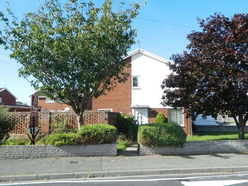 3 Bedrooms Semi Detached House for sale in Llys Brenig, RHYL