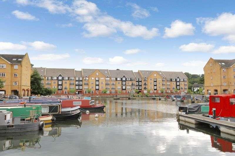 2 Bedrooms Flat for sale in Stephenson Wharf, Hemel Hempstead
