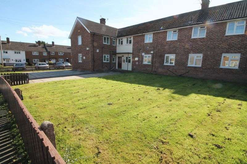1 Bedroom Flat for sale in New Hey Road, Woodchurch
