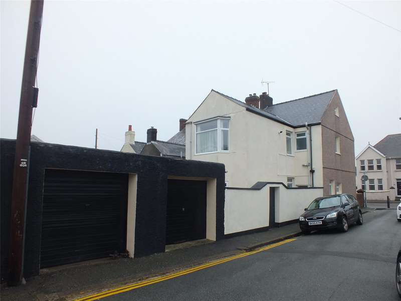 4 Bedrooms End Of Terrace House for sale in Great North Road, Milford Haven, Pembrokeshire