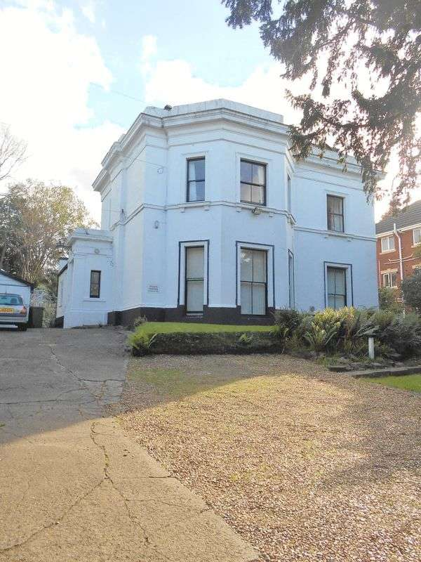 6 Bedrooms Detached House for sale in Grosvenor Road, Oxton, Wirral