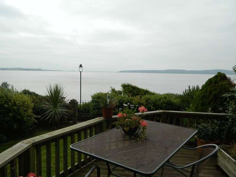 2 Bedrooms Flat for sale in SEA FRONT LOCATION
