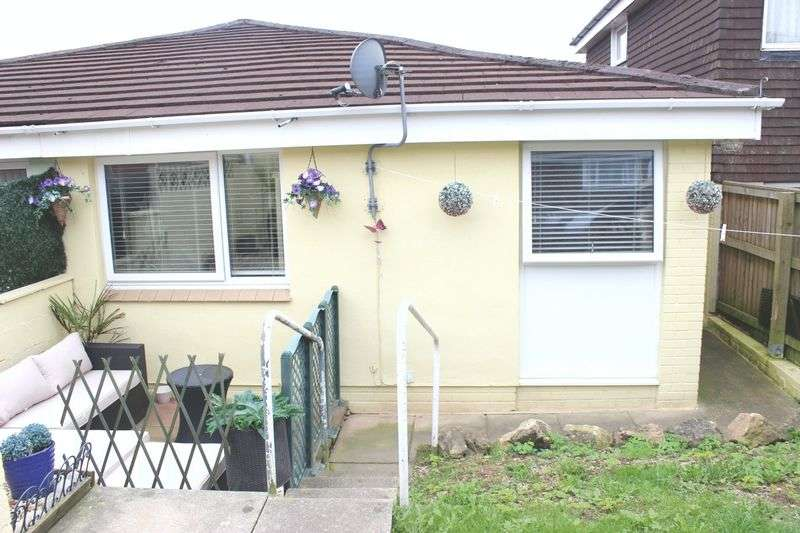 2 Bedrooms Semi Detached Bungalow for sale in Downfield Walk, Plympton, Plymouth