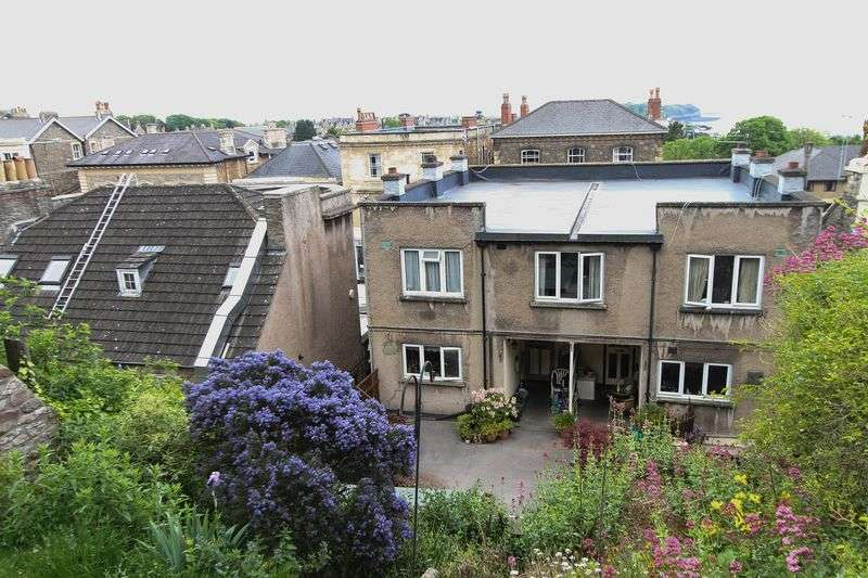 3 Bedrooms Flat for sale in Hill Road, Clevedon