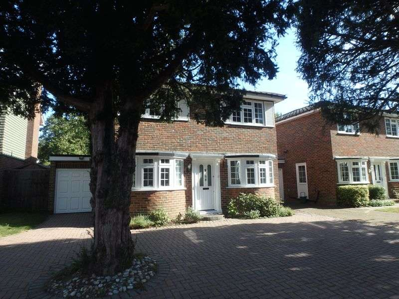 4 Bedrooms Detached House for sale in St. Martins Avenue, Epsom