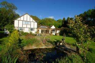 5 Bedrooms Detached House for sale in Clappers Lane, Fulking, Henfield, West Sussex