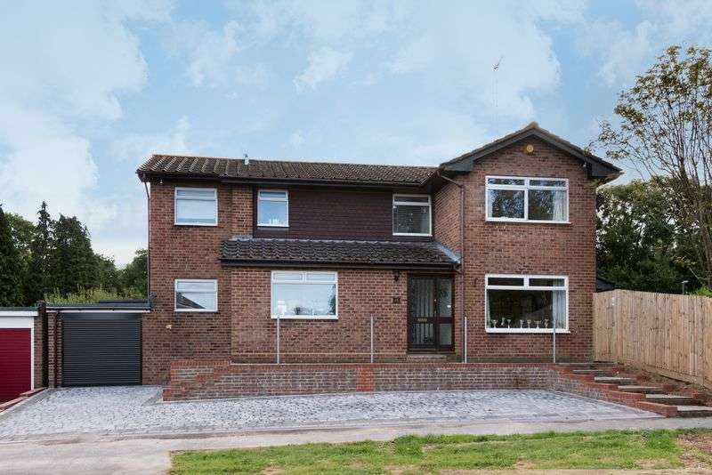 4 Bedrooms Detached House for sale in Shepherds Walk, Hassocks, West Sussex,