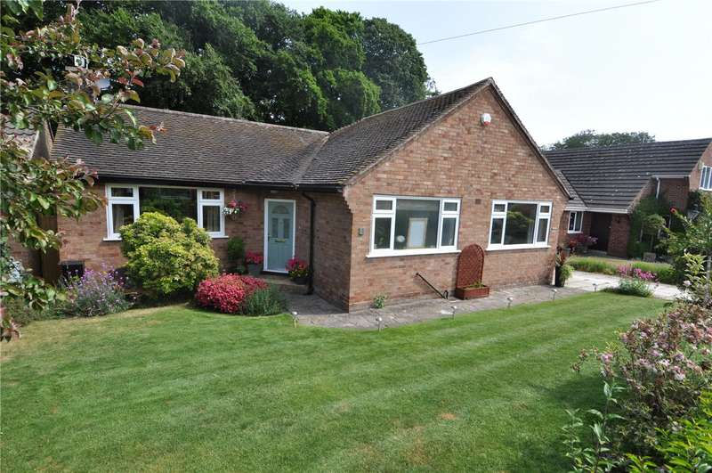 2 Bedrooms Detached Bungalow for sale in Low Wood Grove, Barnston, Wirral