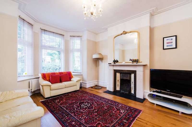4 Bedrooms House for sale in Whitehall Gardens, Ealing Common, W3
