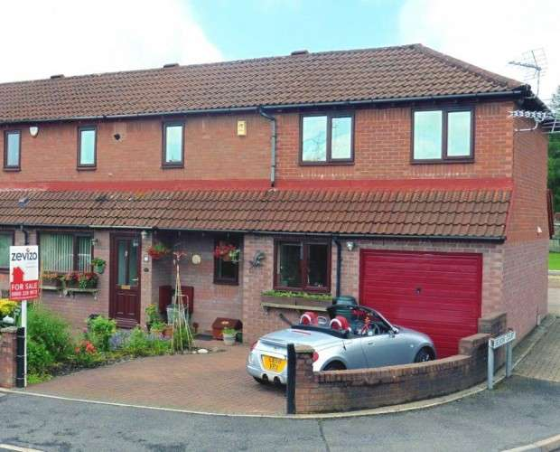 3 Bedrooms Semi Detached House for sale in Cottesmore Way, Cross Inn, Pontyclun, CF72