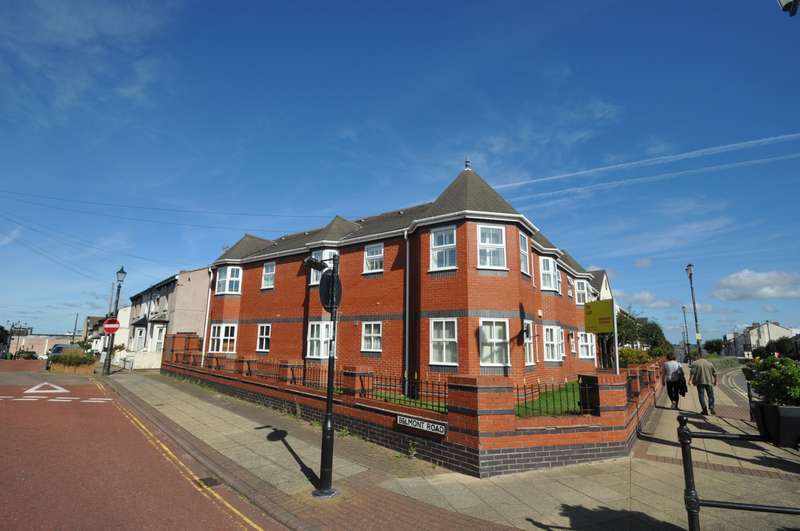 2 Bedrooms Apartment Flat for sale in Victoria Parade, New Brighton