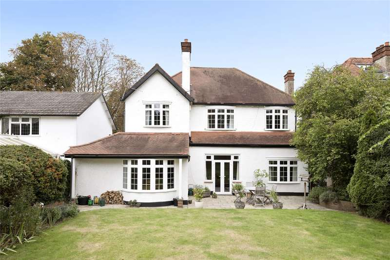 4 Bedrooms Detached House for sale in Hurst Road, East Molesey, Surrey, KT8
