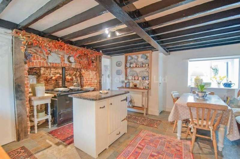 4 Bedrooms Detached House for sale in The Street, Gooderstone, Kings Lynn