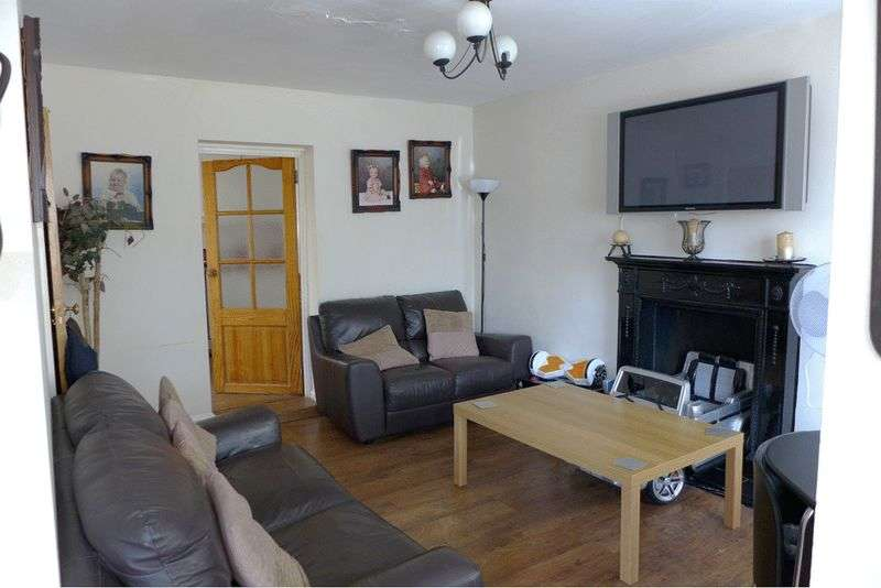 4 Bedrooms Detached House for sale in Blenheim Drive, Welling