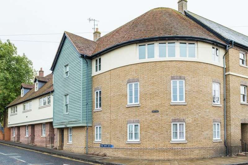 2 Bedrooms Flat for sale in Faversham