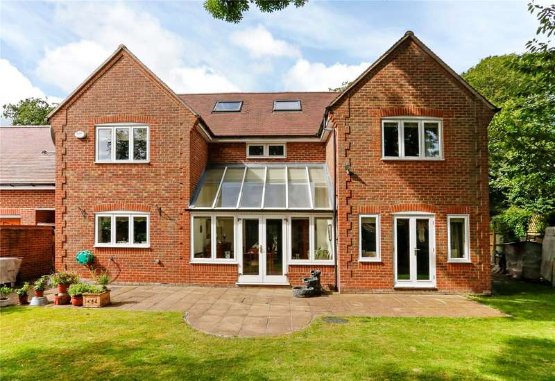 5 Bedrooms Detached House for sale in Pipers Lane, Great Kingshill, High Wycombe, Buckinghamshire, HP15