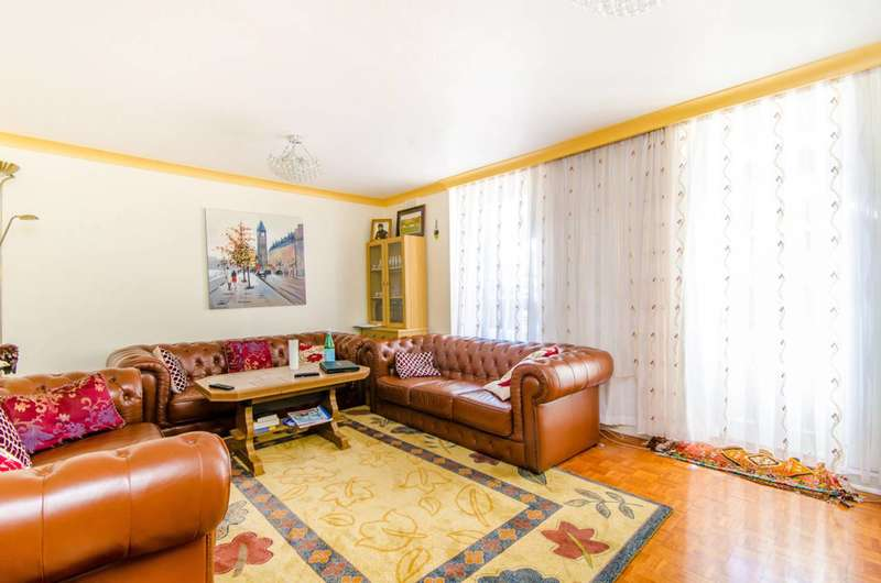4 Bedrooms Flat for sale in Holloway Road, Islington, N7