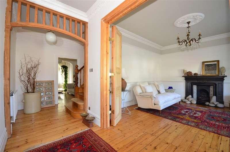 5 Bedrooms Semi Detached House for sale in Essenden Road, South Croydon, Surrey